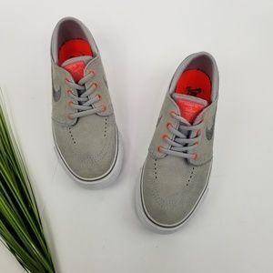 Nike Shoes - Nike SB Stefan Janoski Skate Shoes  Sz5Y